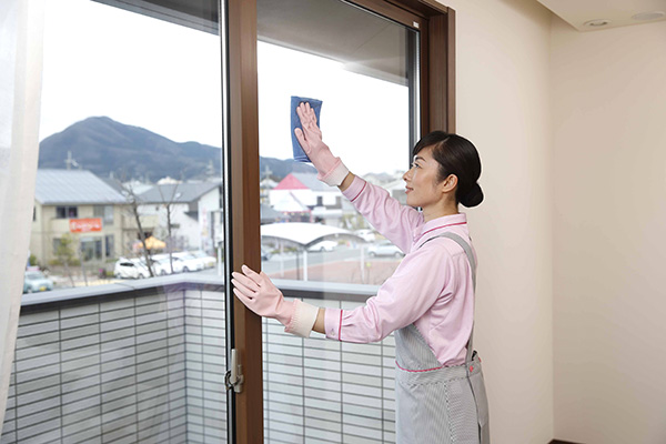 窓ガラスやサッシ・網戸の清掃